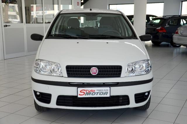 Vendita Auto Fiat Punto 1 2 5p Natural Power Usata Stylemotor Annunci Auto Usate Vendo