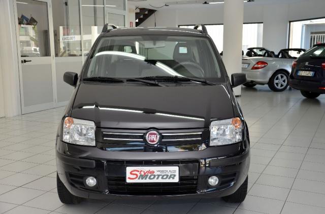 Vendita Auto Fiat Panda 1 4 Dynamic Natural Power Usata Stylemotor Annunci Auto Usate Vendo